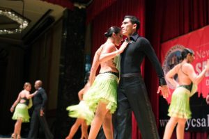 Salsa_performers_in_New_York (1)